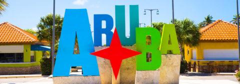 Kleurrijke letters aruba op plein