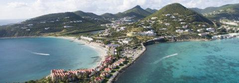 Uitzicht uit de lucht over eiland sint maarten