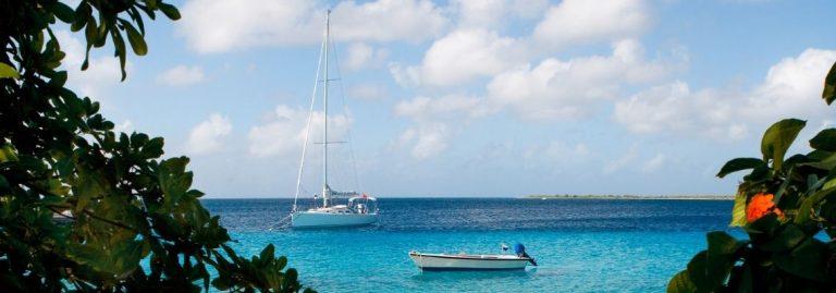 Oceaan Bonaire uitzicht bootjes